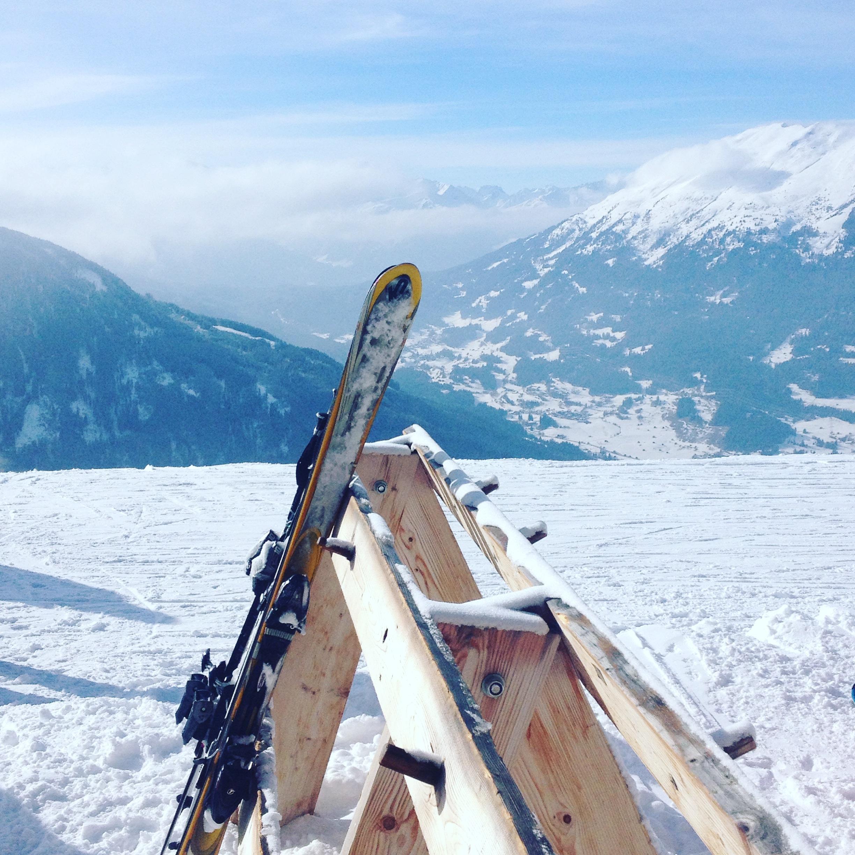 Skiurlaub mit Kindern, Mamablog, Modeblog, Skifahren, Urlaub im Schnee, Ausblick, Berge, Hochzeiger, Winterurlaub, Familienurlaub, Wunder Reisen