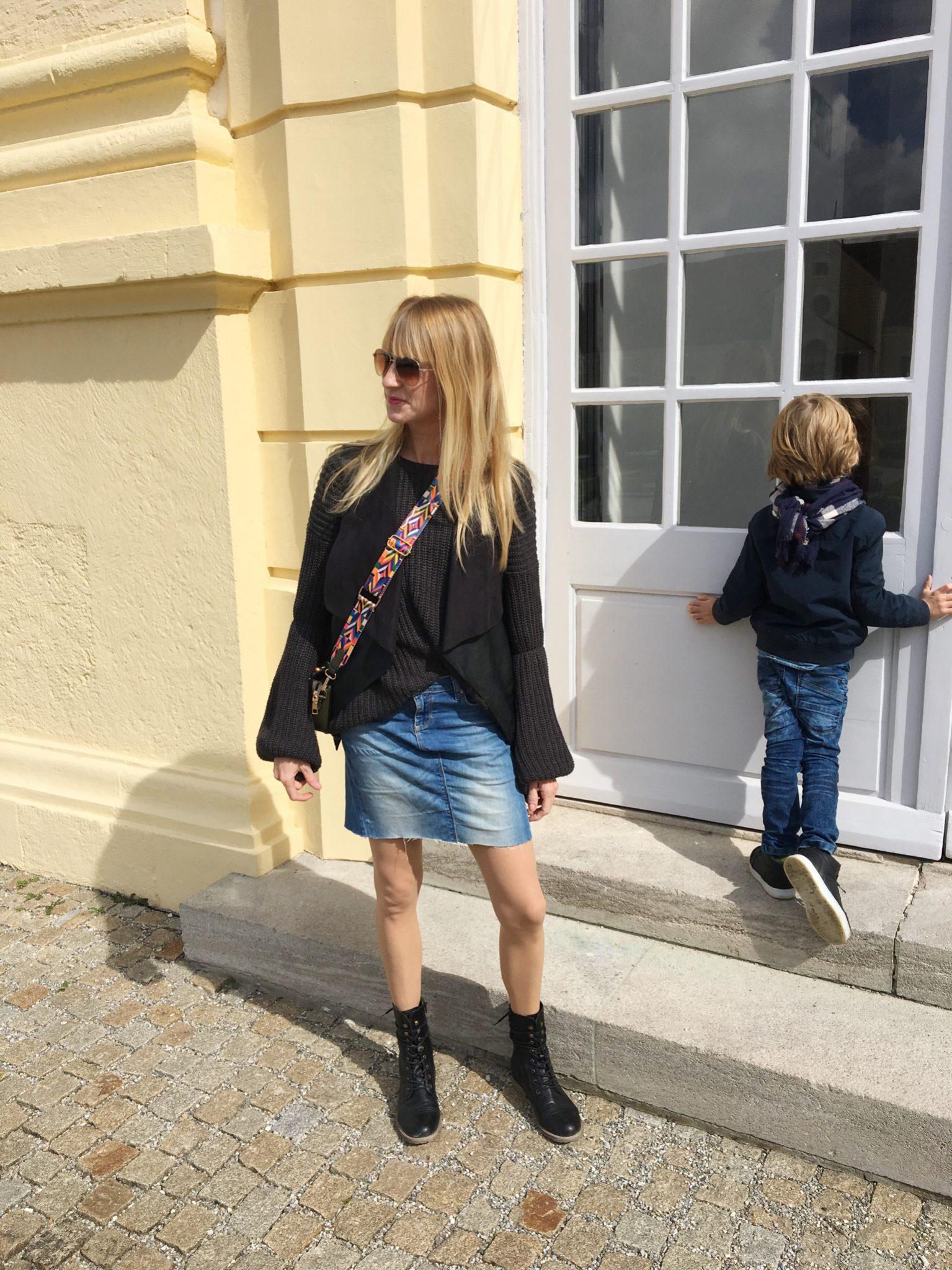 Jeansrock selbstgemacht, Jeansrock, DIY, Nähen, Mamablog, Modemama, Herbstlook, Familienzeit, Modeblog, Strickpulli