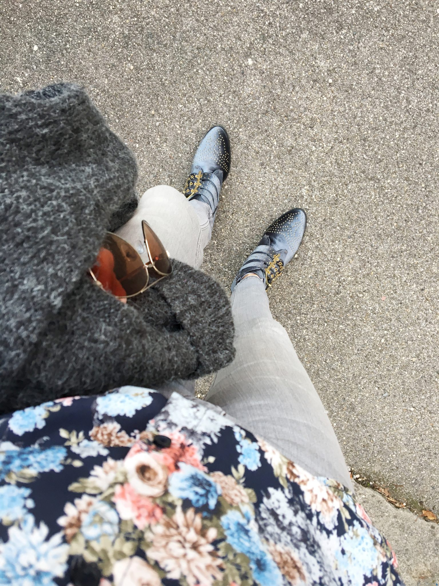 rockige Ankle Boots, Boots, Steifel, Bronx Schuhe, Mamainstyle, Modemama, Mama Mode Blog, Mamablog, Modeblog, Blümchenlook, rockige Boots, Streetstyle, Outfitinspiration, Outfitpost