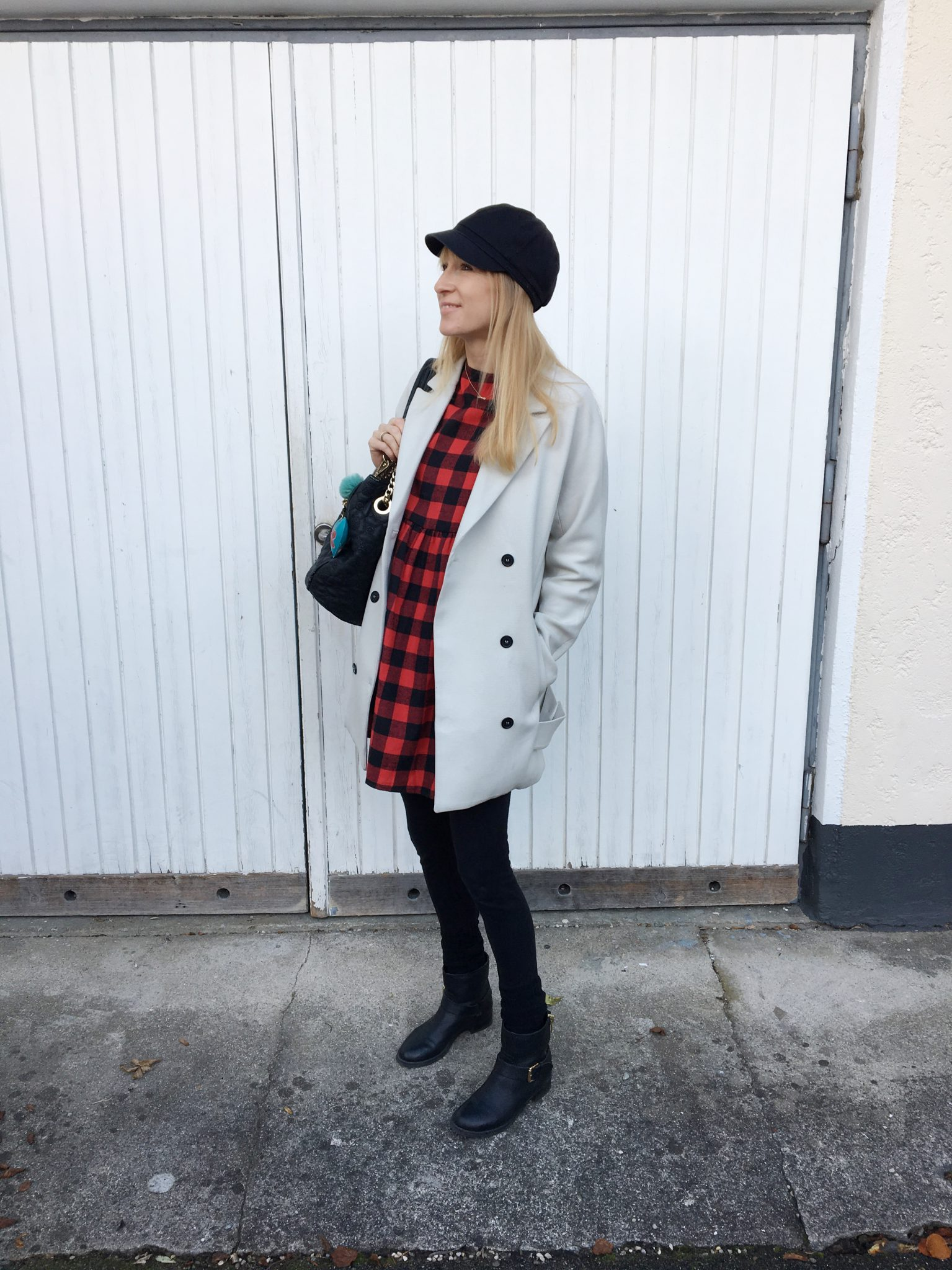 Karokleid, Mamablog, Modeblog, Modemama, Lookoftheday, Outfitinspiration, Kleid von Shein, Mantel, Winterlook