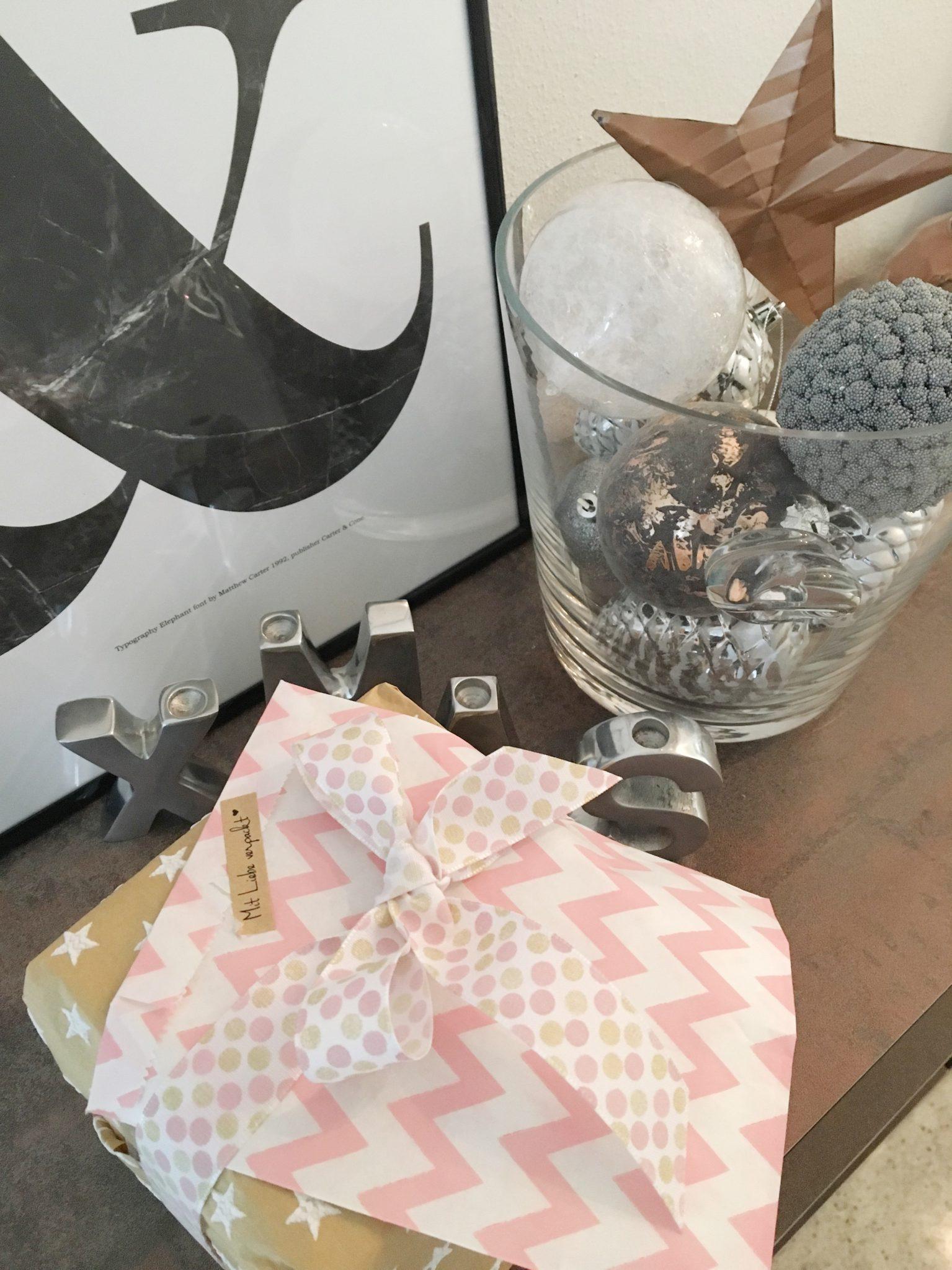 Weihnachtsdeko, Weihnachtskugeln, Kugeln, Deko, Accessoires, Geschenke verpacken, Schleifen, Weihnachten, Xmas, Servietten, Mamainstyle, Mamablog, Modeblog, Mama Mode Blog