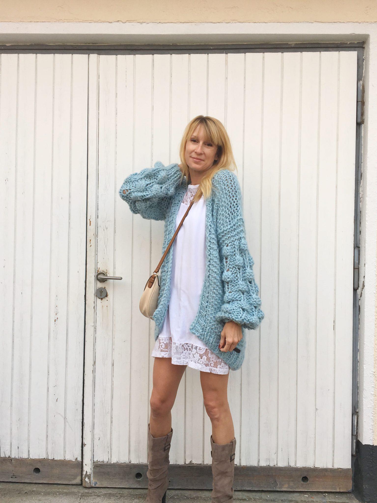 Damen Strickjacken für den Herbst. Mein Look zum kurzen Kleid.