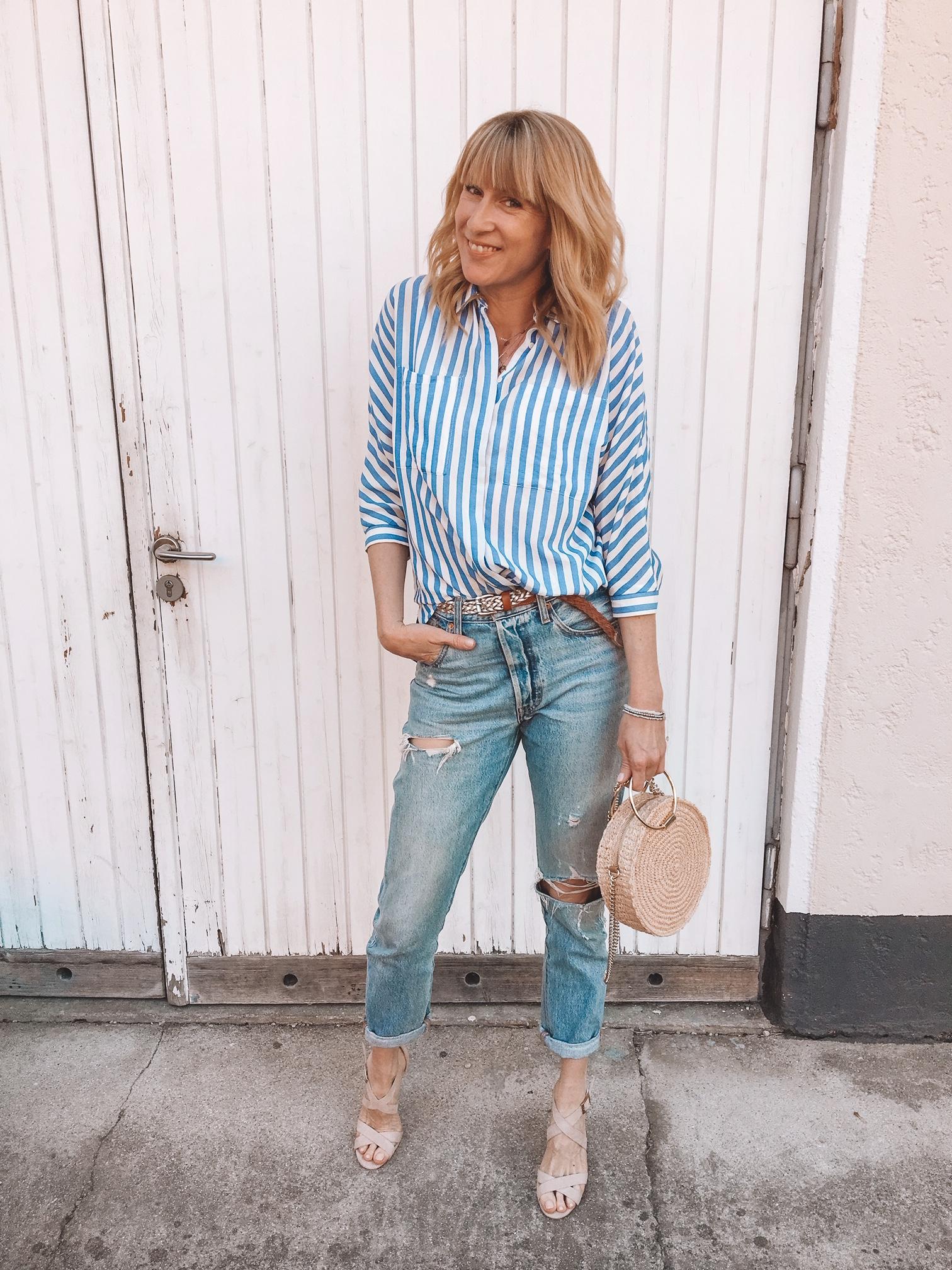 Frühlingstrends: filigrane Heels zu weiten Jeans