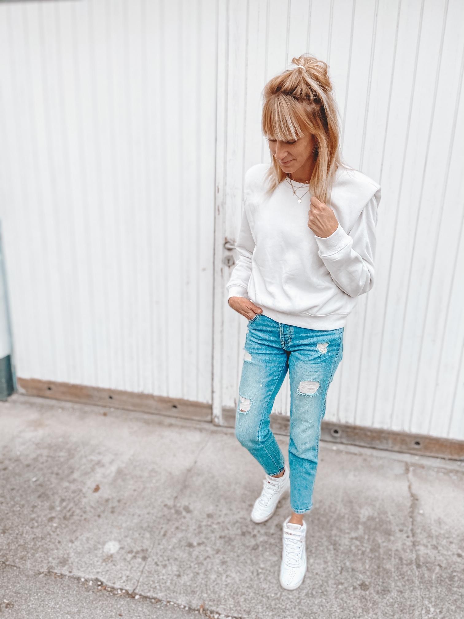 Sweatshirt mit  Schulterpolstern